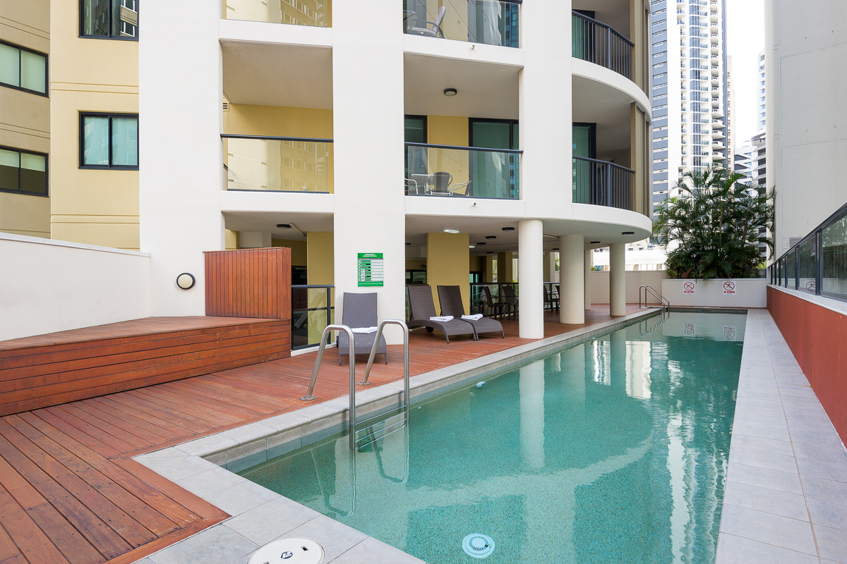 Accommodation in brisbane serviced apartments quest - University of queensland swimming pool ...